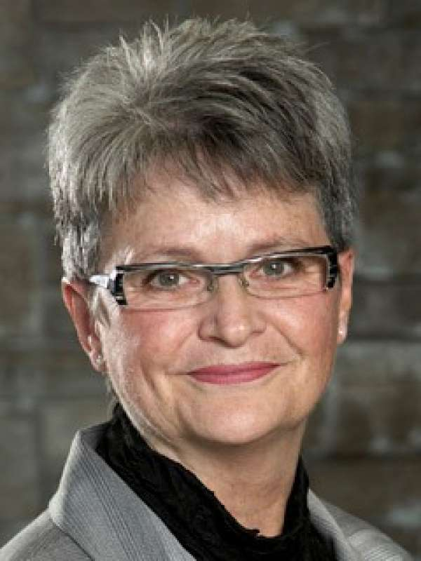 Dr. Cathy Morris, Regional Assistant Dean of the Waterloo Regional Campus